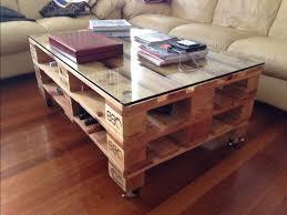 stol iz poddonov